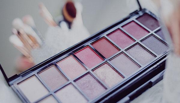 Lorem Lipstick Box